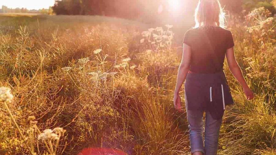 Sei depresso? Alzati e cammina un 'ora al giorno. Di Silvana De Mari*