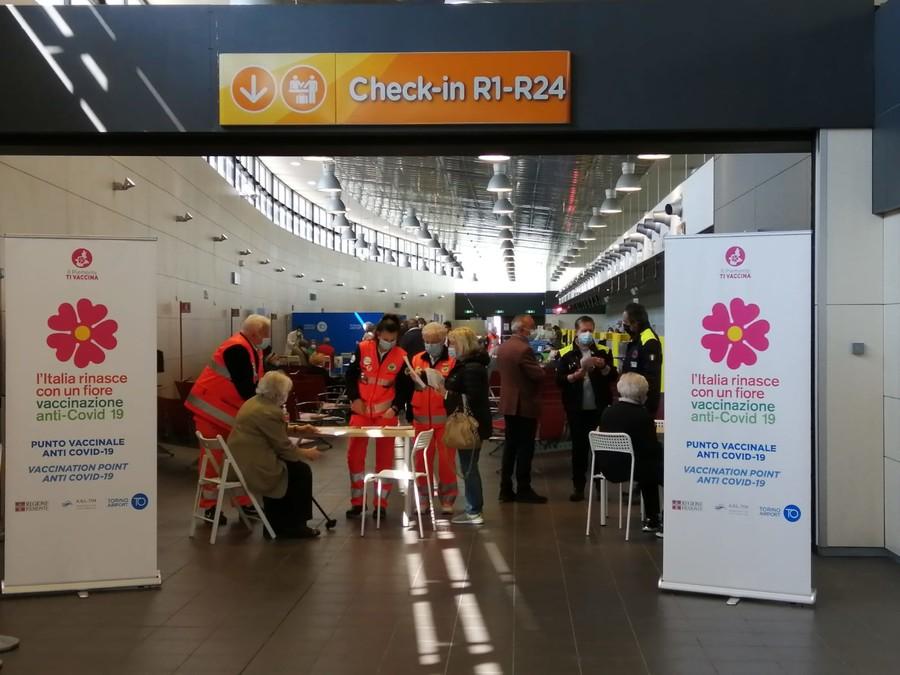 Anche l'aeroporto di Torino diventa hub vaccinale:  possibili 1000 vaccini al giorno