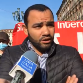 Lavoratori del Caat, mercato alimentare all'ingrosso, protestano davanti alla Prefettura di Torino. Il rappresentante dei Cobas Mahamoud Aboutabikh