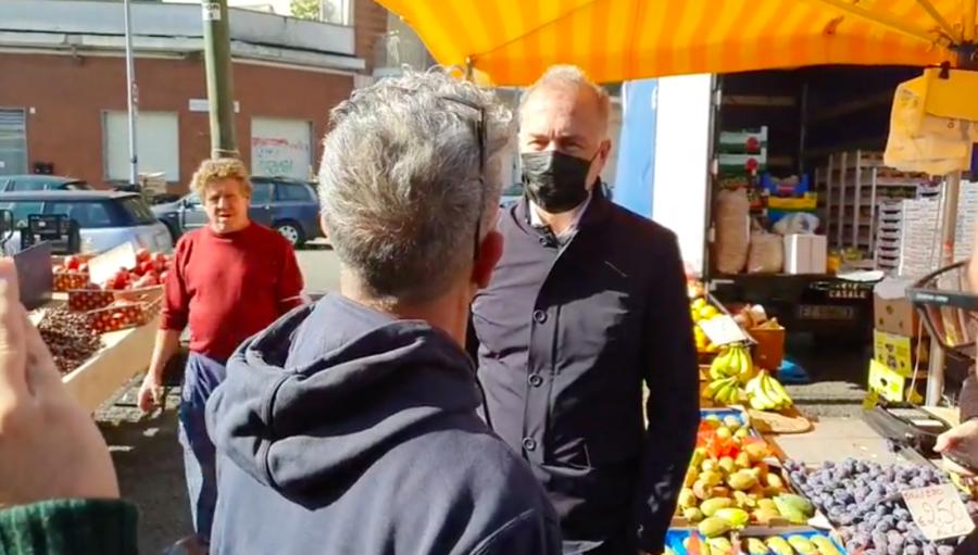 Verso il ballottaggio: Damilano incontra i cittadini di via Nicola Porpora