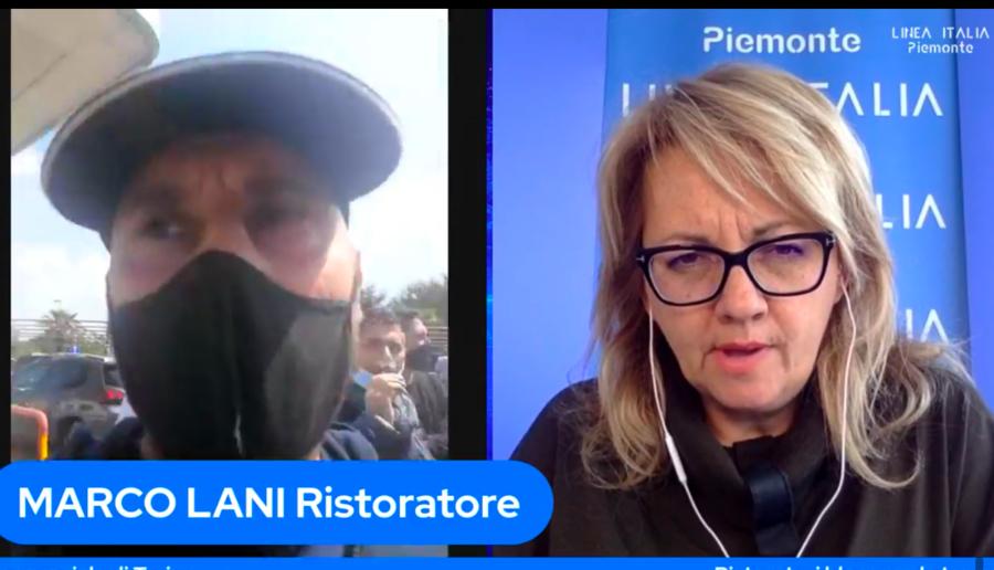 Ristoratori bloccano la tangenziale a Torino per protesta