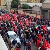 Presidio di solidarietà davanti alla sede della Cgil torinese